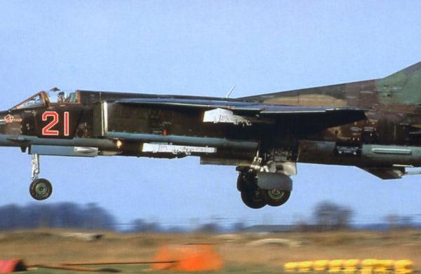 6.МиГ-27Д из 296-го АПИБ ВВС России. Германия, авиабаза Гроссенхайн.