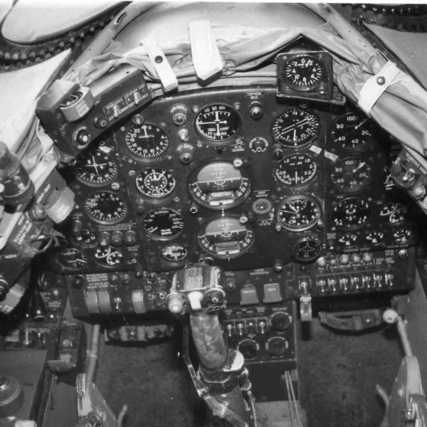 6.Приборная панель пилота Як-28