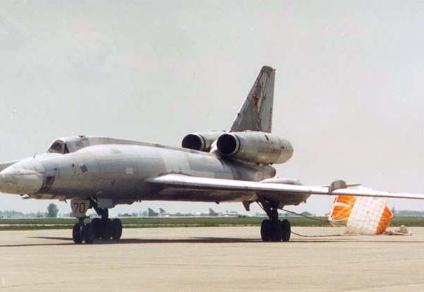 6.Ту-22КД после посадки.