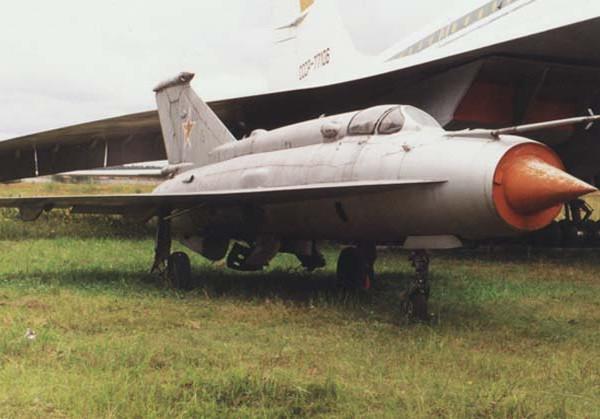 7.МиГ-21И-1 в Монино.