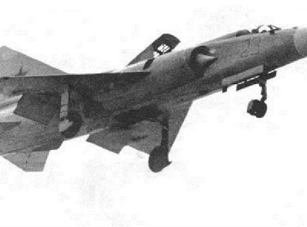 7.МиГ-23ПД на взлете. 2