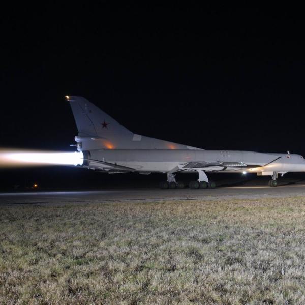 7.Ночные полёты. Ту-22М3 на старте.