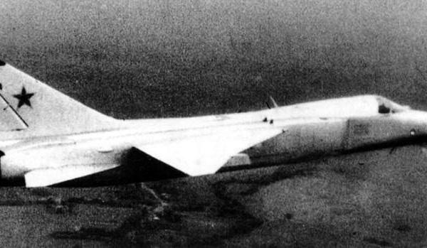7.Т-6-2И в полете.