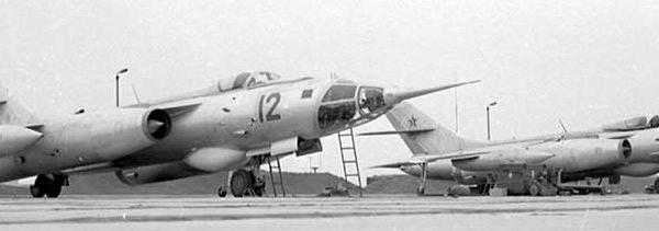 7.Як-28Р борт № 12 и № 24 из состава 931 ОРАП.
