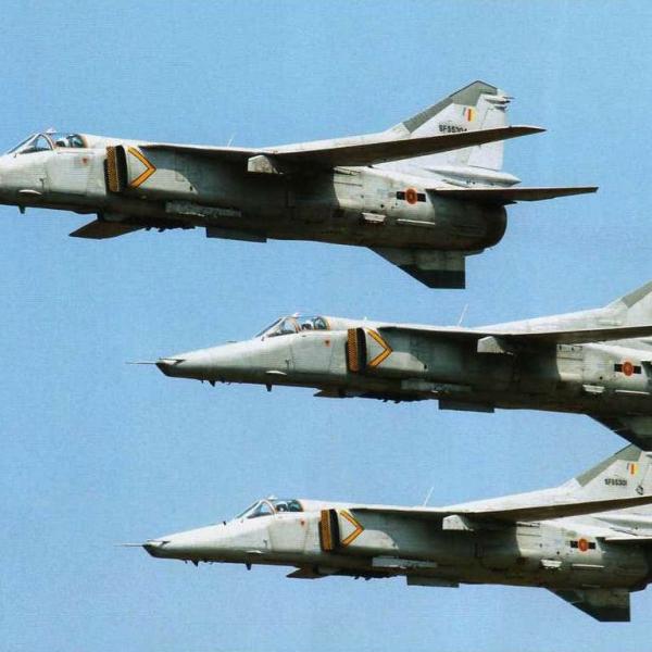 8.Группа МиГ-27М ВВС Республики Шри-Ланка.