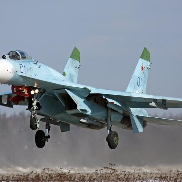8.Су-27 – лучший боевой самолет мира.