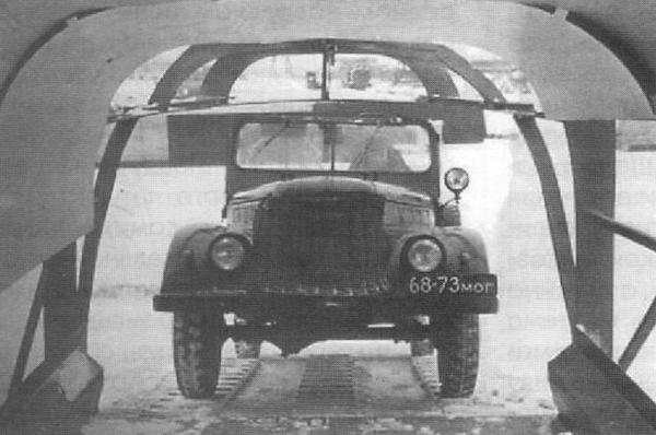 9.ГАЗ-69 в макет кабины вертолет В-8