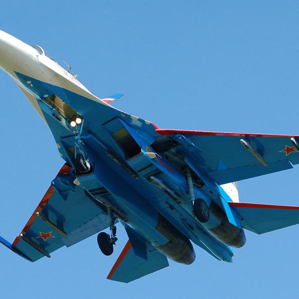 9.Су-27 из группы Русские Витязи на взлете.