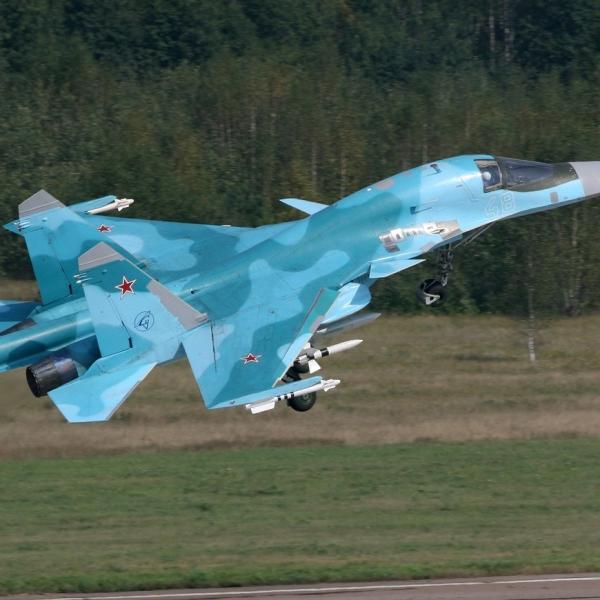 9.Су-34 первой серии на взлете.