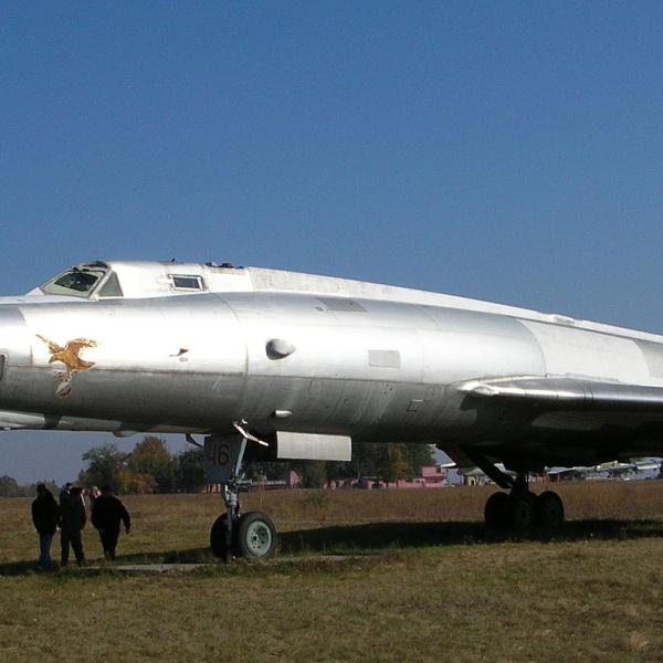 9.Ту-22ПД в музее дальней авиации на авиабазе Энгельс, 2006 год.