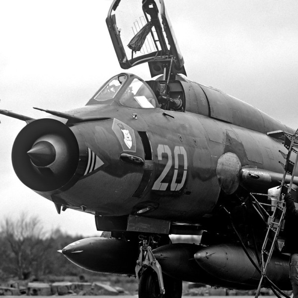 su-17m4-na-stoyanke-1