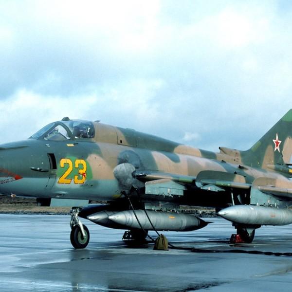 su-17m4-na-stoyanke-3
