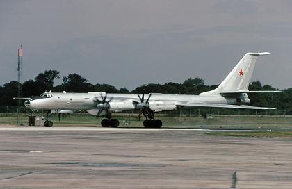 0.Ту-142М
