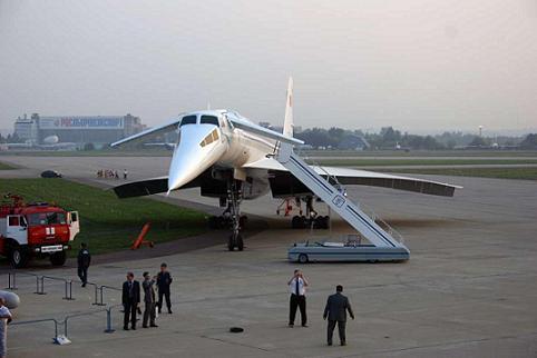 0.Ту-144Д