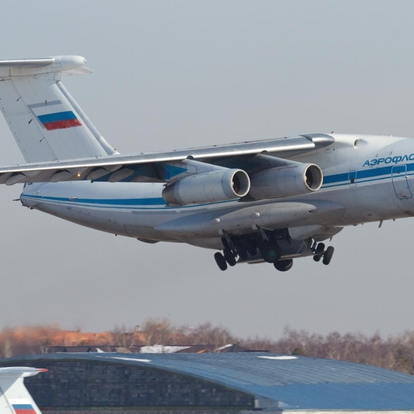 1.Ил-76М на взлете.