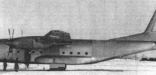 1.Первый опытный Ан-8 с двигателями ТВ-2Т