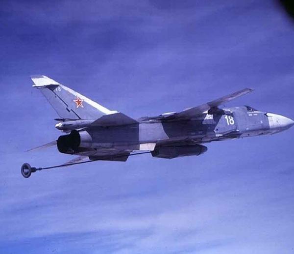 1.Тактический топливозаправщик Су-24М (ТЗ).