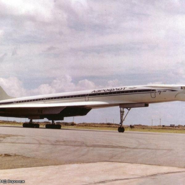 1.Второй серийный Ту-144Д.