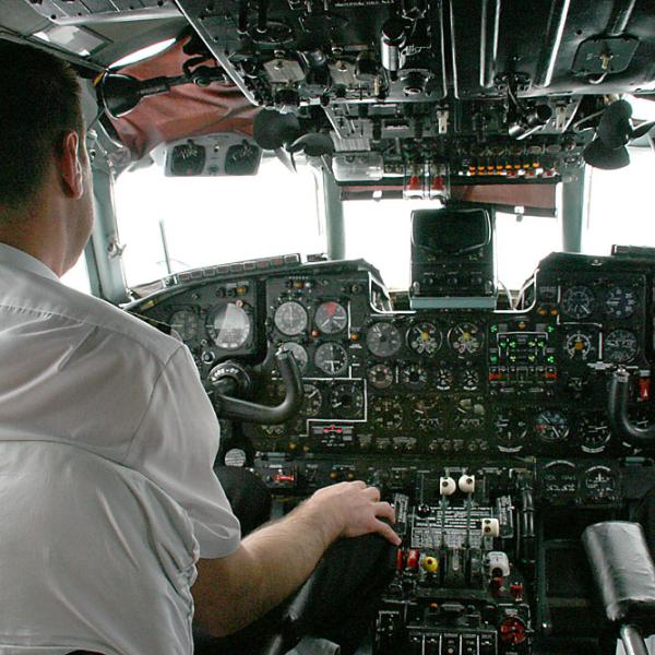 10.Кабина Ан-24.