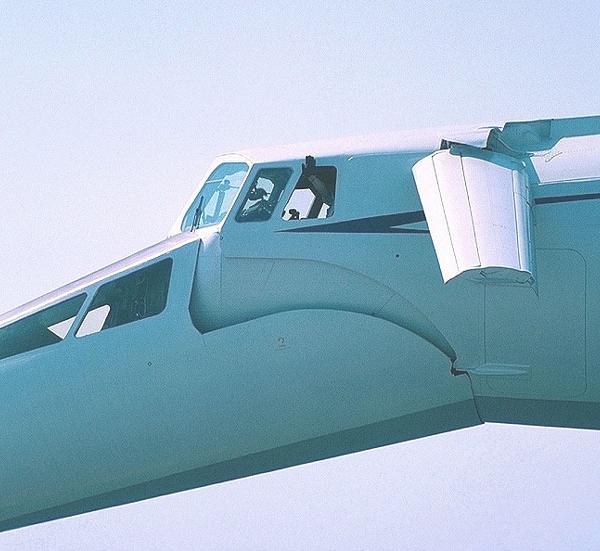 10.Вид на кабину Ту-144Д.