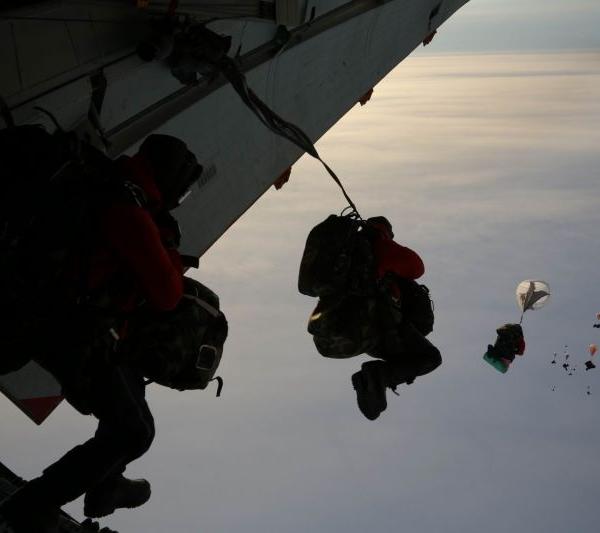 11.Выброска десанта на Северный Полюс. 17 апреля 2014 г.