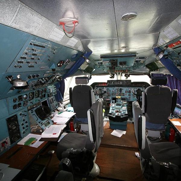 16.Кабина Ан-124. 2