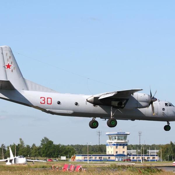 2.Ан-26Ш заходит на посадку.