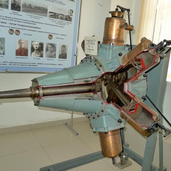 2.Двигатель А.В.Нестерова в музее ВВС Монино.