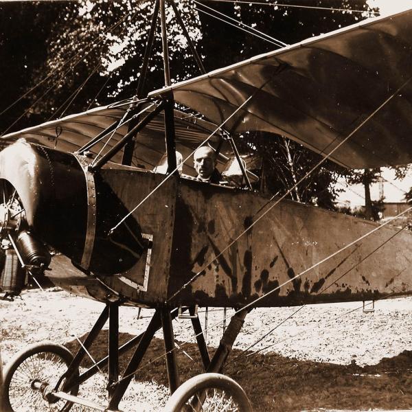 2.Пилот в кабине Morane-Saulnier L.