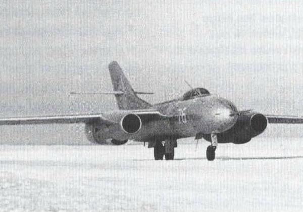 2.Серийный Як-25РВ.