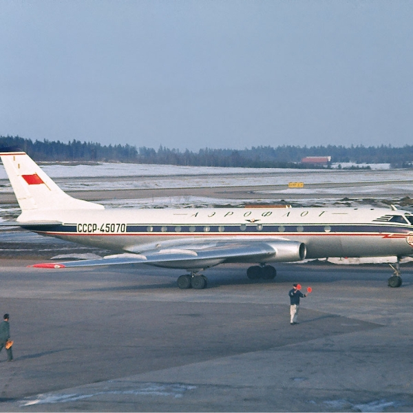 2.Ту-124 на рулежке.