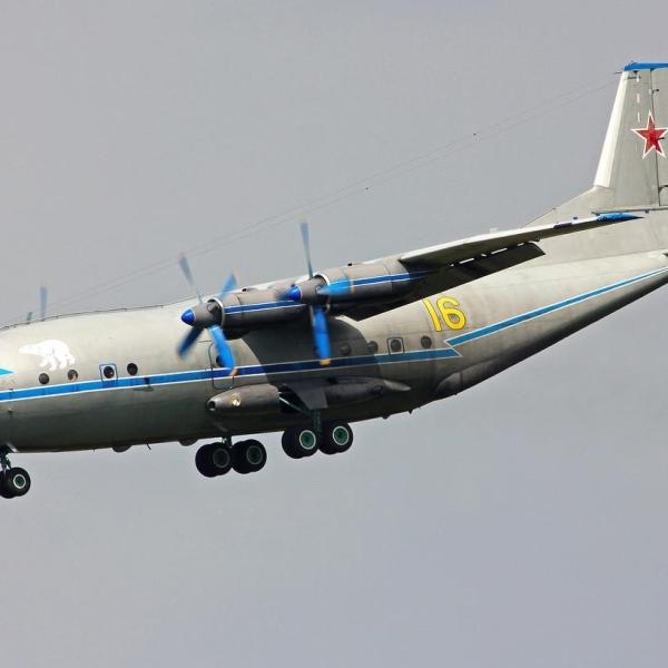 3.Ан-12ПС заходит на посадку.