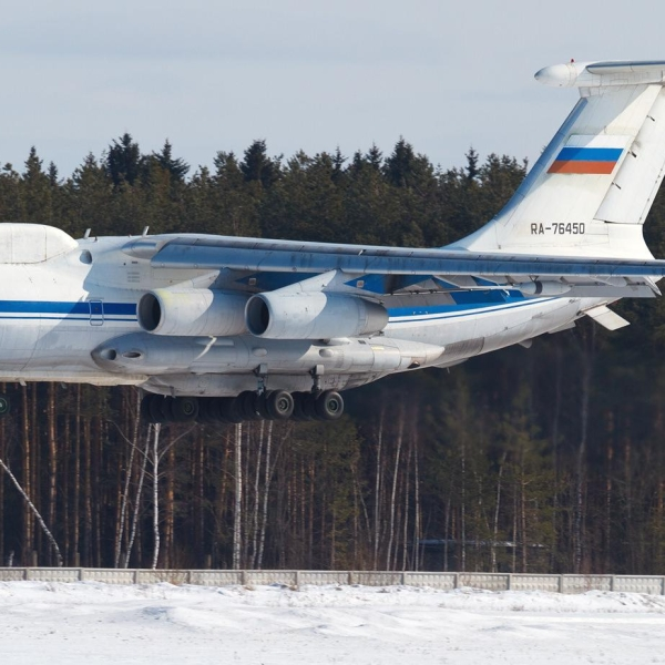 3.Ил-82 заходит на посадку.