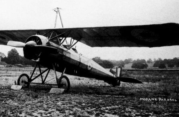 3.Morane-Saulnier Р поздних серий со сплошным капотом.