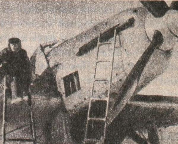 3.Носовая часть самолета БОК-1 с двигателем М-34РН.