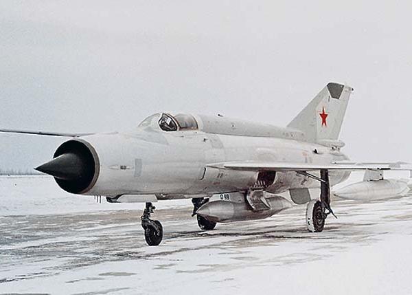 3.Один из первых серийных МиГ-21Р.