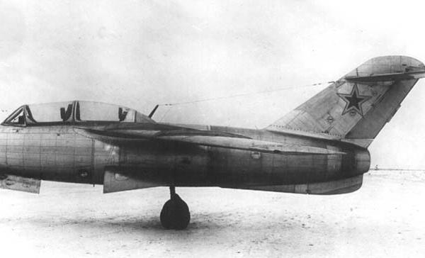 3.Учебно-тренировочный самолет Ла-15УТИ (самолет 180).