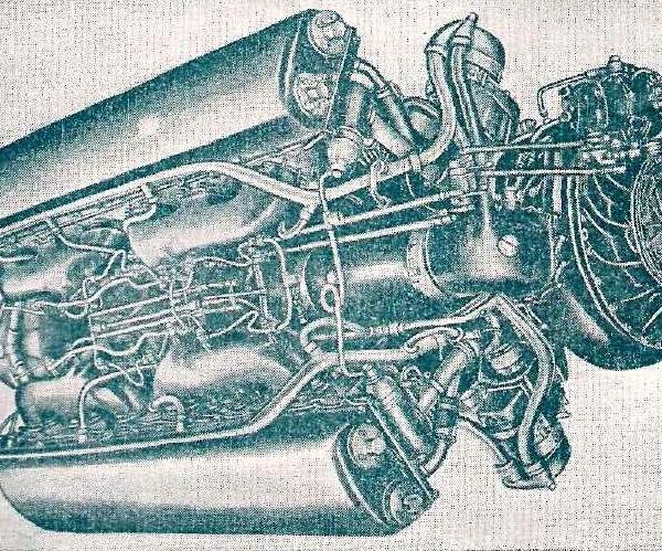 3.Вид на рычаги управления газом мотора АМ-38.