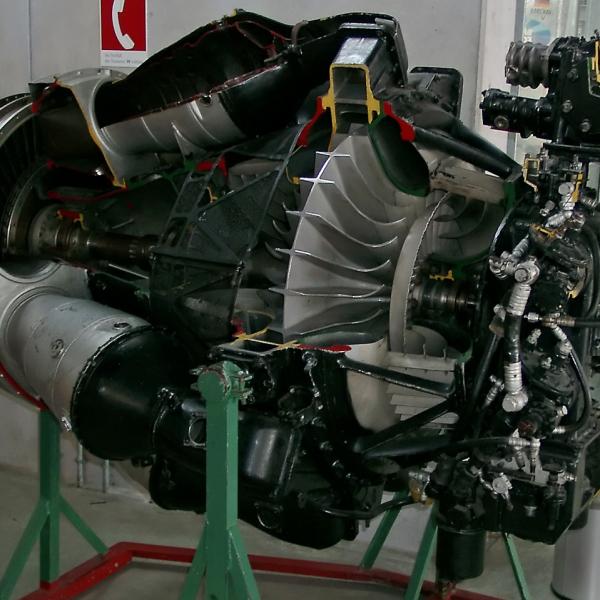 3а.Двигатель ВК-1 в разрезе