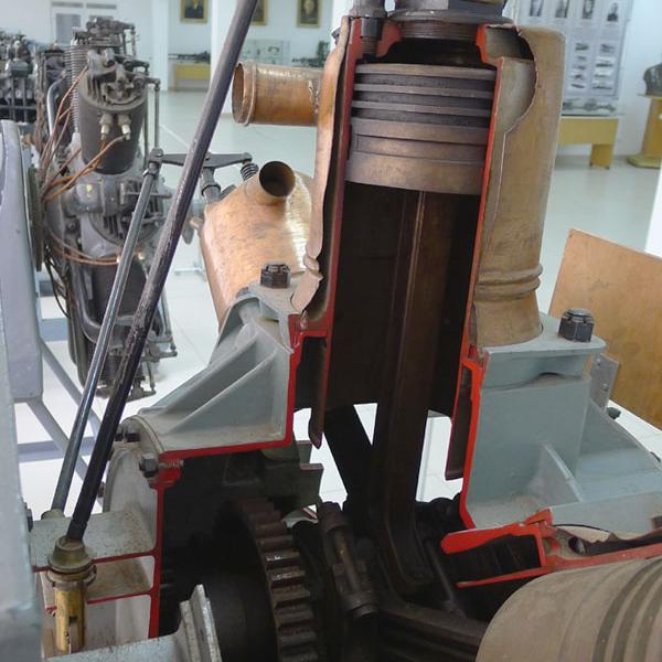 4.Двигатель А.В.Нестерова в музее ВВС Монино.