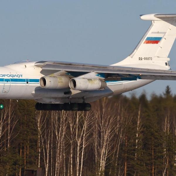 4.Ил-76М на посадке.