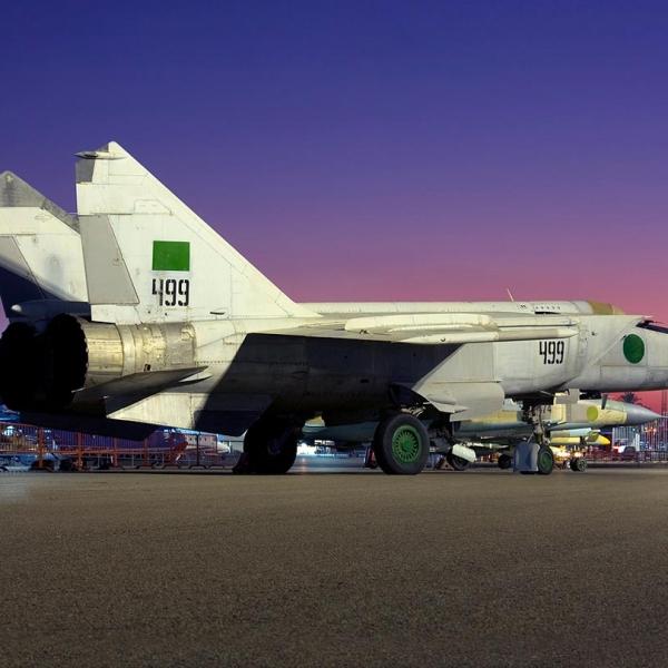 4.МиГ-25РБ ВВС Ливии.