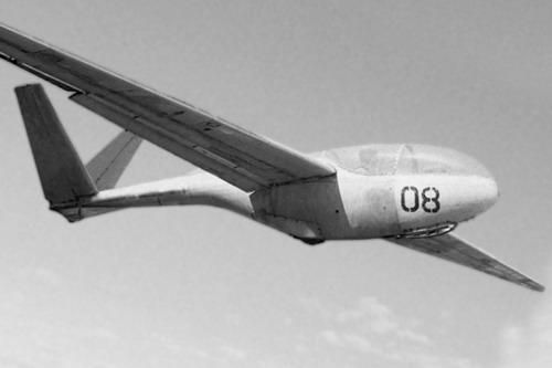 4.Планер А-13 в полете.