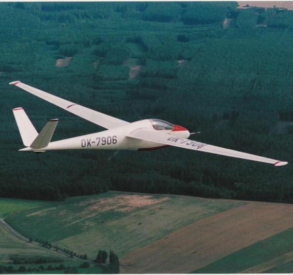 4.Планер А-15 в полёте.