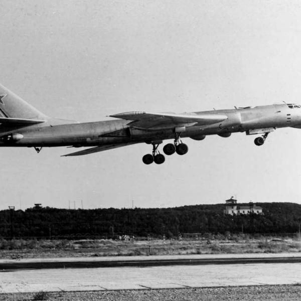 4.Ту-16РМ на взлете. 1