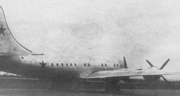 4.Военно-транспортный самолет Ту-75.