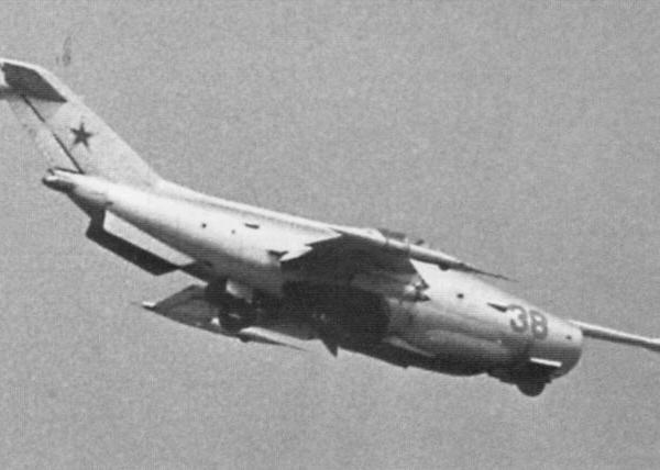 9.Як-36 в полете.