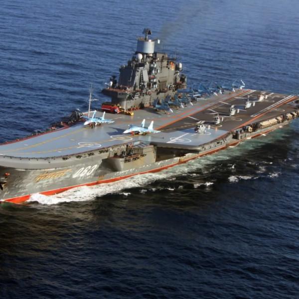 avianosets-admiral-flota-sovetskogo-soyuza-kuznetsov