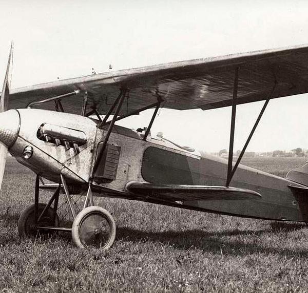 1.Истребитель Fokker D.XIII.