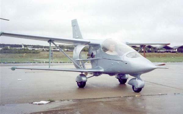 1.Легкий самолет Колибри.